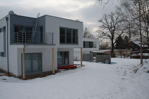 Holzrahmenbau als modernes EFH/Einfamilienhaus mit Balkon - Zimmerei Walther Dresden / Pirna