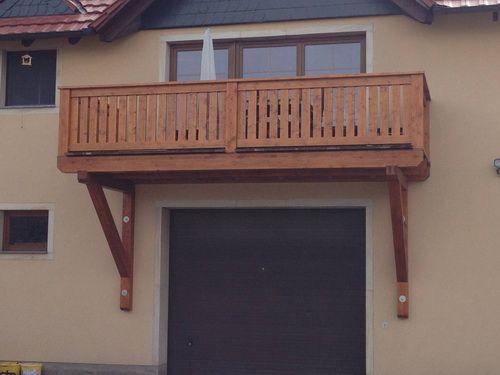 Balkonkonstruktion in Fichte mit Belag aus Bangkirai und Kupferabblechung